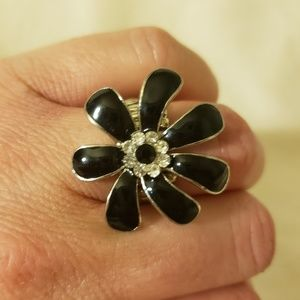 Stretchy Black and Silver Flower Ring